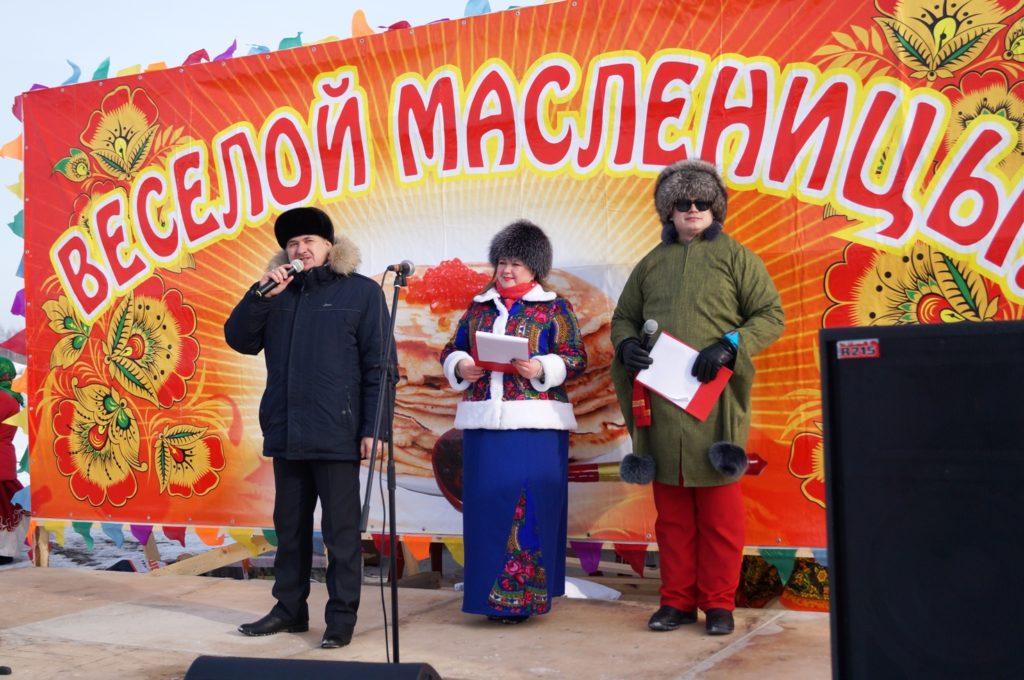 Глава Ялуторовского района открывает праздник. Хорошее напутственное слово всегда ко времени и к месту!